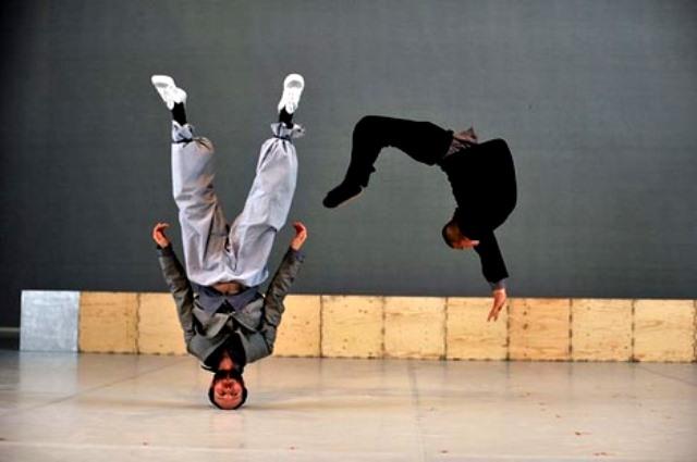 2012-Equilibrio-Sidi-Larbi-Cherkaoui